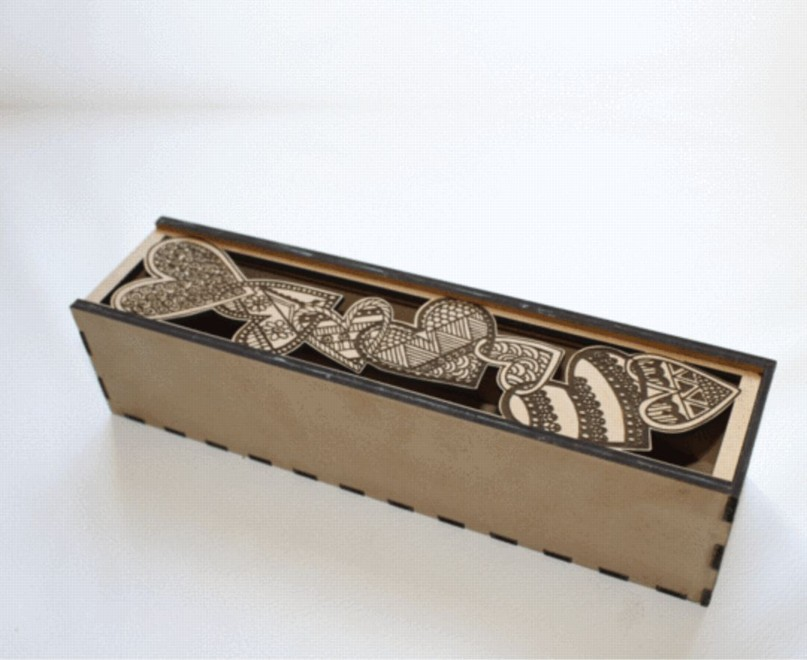 Dřevěná krabička - Hand Drawn Hearts sliding lid Box
